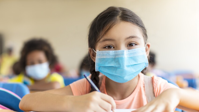 Vaccination des adolescents  : qui est concerné, comment cela va se passer ? Les précisions d'Olivier Véran
