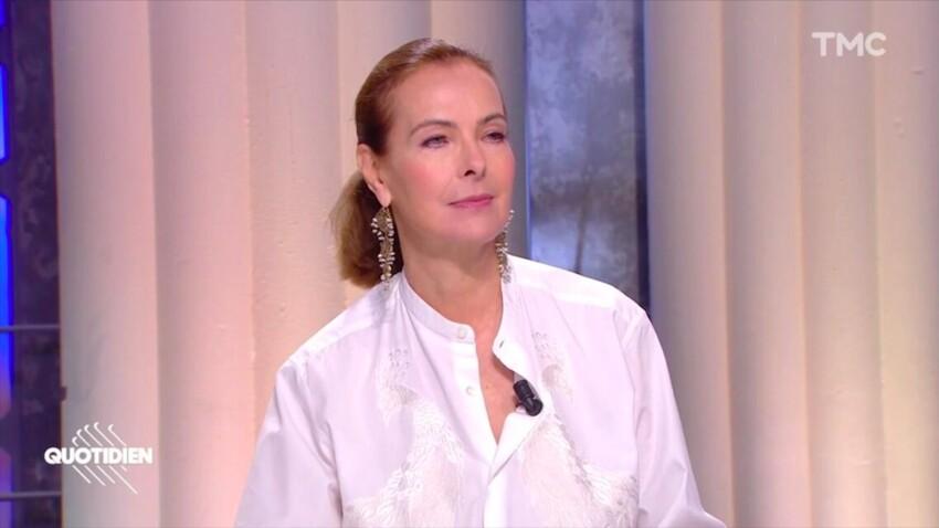 """Carole Bouquet rembarre Yann Barthès sèchement dans """"Quotidien"""" : """"Moi, je suis vaccinée"""""""