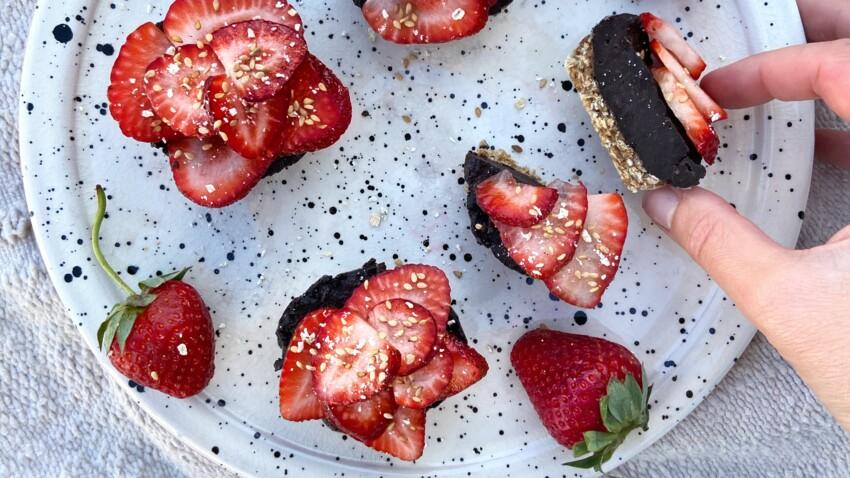 Tartelettes sans cuisson fraises chocolat et flocons d'avoine