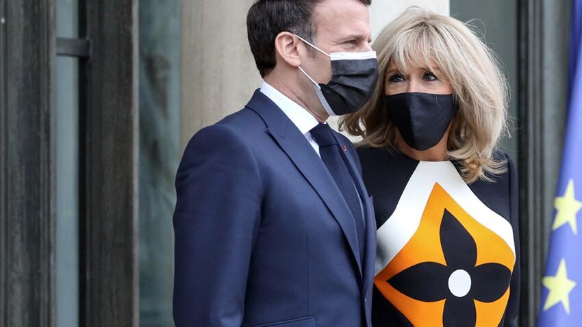 Brigitte Macron ultra-tendance en veste sans manche oversize : les photos stylées de son bain de foule