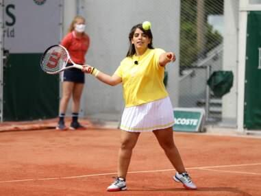 Inès Reg, canon en tenniswoman à Roland Garros : l'humoriste s'éclate en jupette courte !