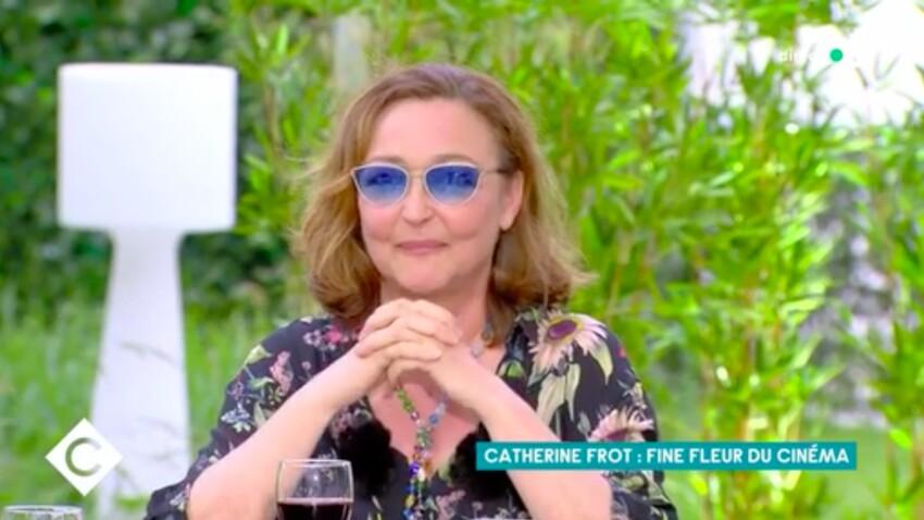"""Catherine Frot, très mal à l'aise en évoquant ses rapports avec un jeune comédien dans """"C à vous"""""""