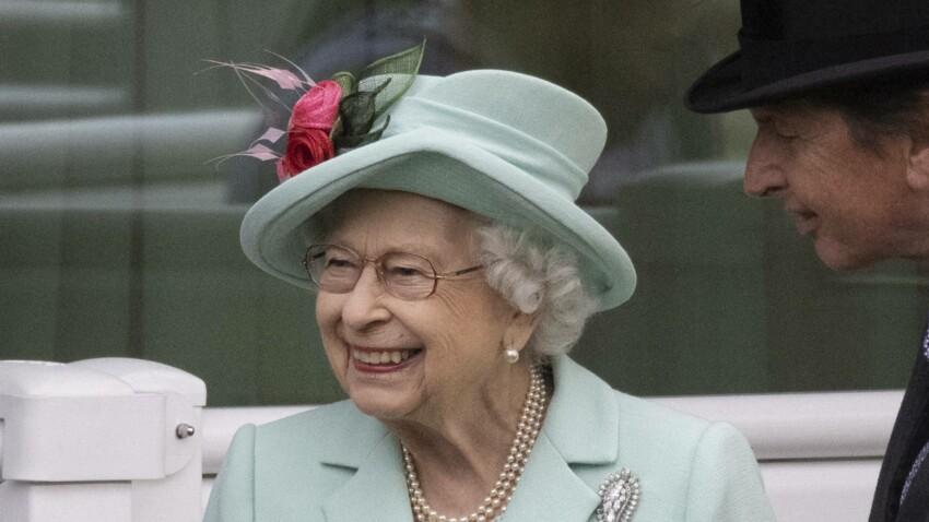 Le vernis préféré de la Reine Elizabeth d'Angleterre et de Kate Middleton coûte moins de 12 euros