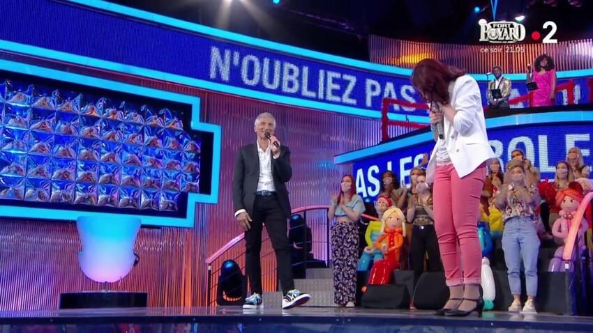 """""""Arrêtez je ne sais plus quoi faire"""" : Nagui désemparé devant les larmes de la Maestro dans """"N'oubliez pas les paroles"""""""