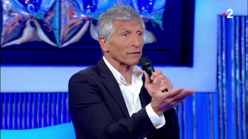 """""""N'oubliez pas les paroles"""" : pourquoi certains candidats chantent-ils en anglais ? Nagui répond"""