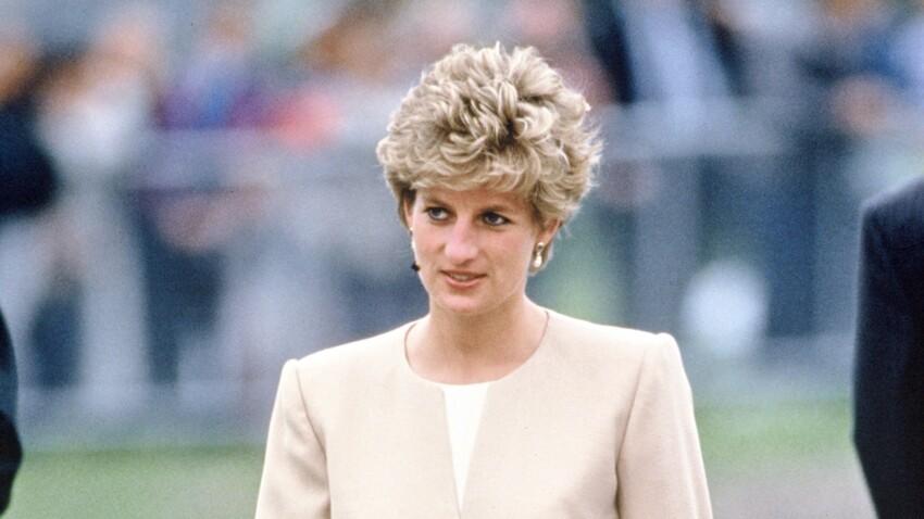 """Lady Diana : pourquoi le prêtre qui l'a veillée après sa mort a été """"choqué"""""""