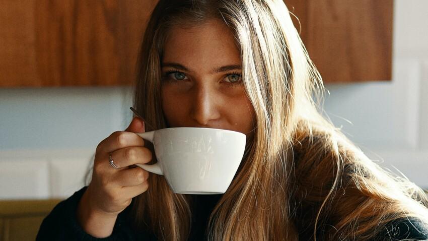 Café du matin : la mauvaise habitude qu'on devrait éviter au réveil