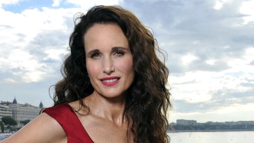Andie McDowell : l'actrice ose les cheveux gris à Cannes (et c'est canon !)