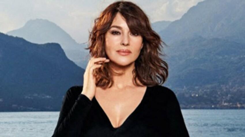 Monica Bellucci sexy : elle dévoile un décolleté bombé sous un top entièrement transparent
