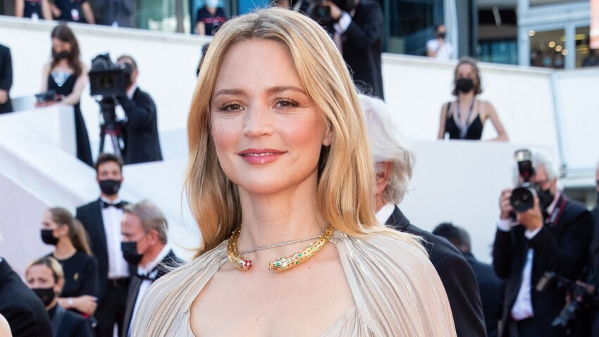 Festival de Cannes 2021 : Virginie Efira, sculpturale en robe haute couture Dior - PHOTOS
