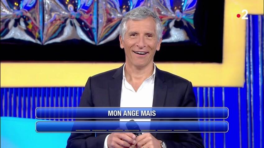 """VIDÉO - Quand Nagui flirte avec Cruella dans """"N'oubliez pas les paroles"""""""