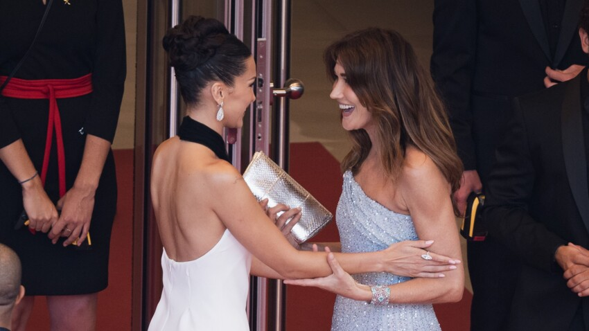 Carla Bruni pose avec Bella Hadid : leur ressemblance frappe les internautes