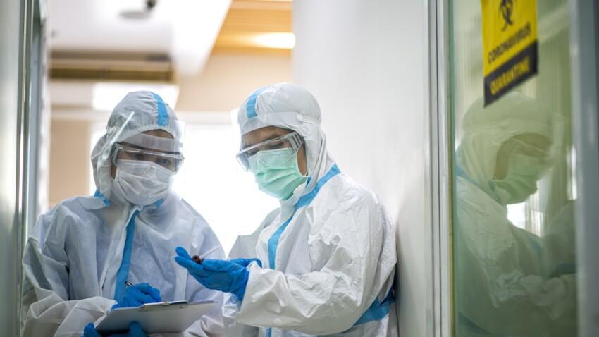 Jusqu'à 40.000 cas par jour au 1er août : les projections alarmantes de l'Institut Pasteur pour la suite de l'été