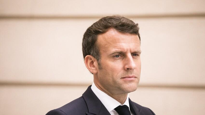 """Emmanuel Macron recadre les anti-vaccins qui se disent en """"dictature"""""""