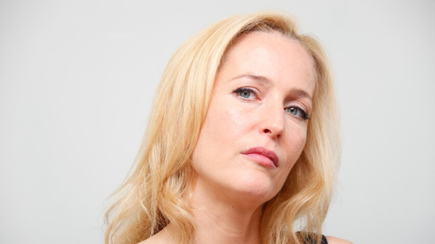 """Gillian Anderson (""""Sex Education"""") : cette décision féministe qu'elle revendique, applaudie par les internautes"""