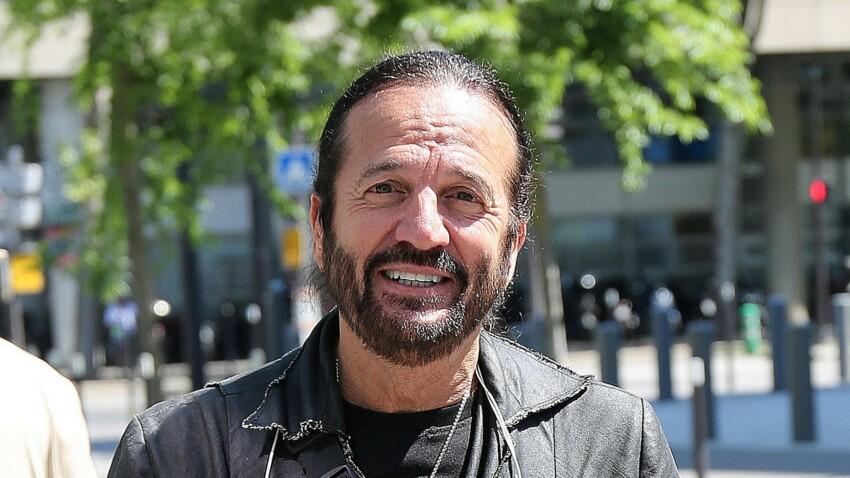 """Francis Lalanne """"en transe"""" : les internautes choqués par son discours antivax"""