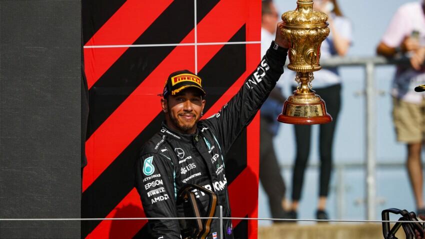Lewis Hamilton cible d'injures racistes sur les réseaux sociaux