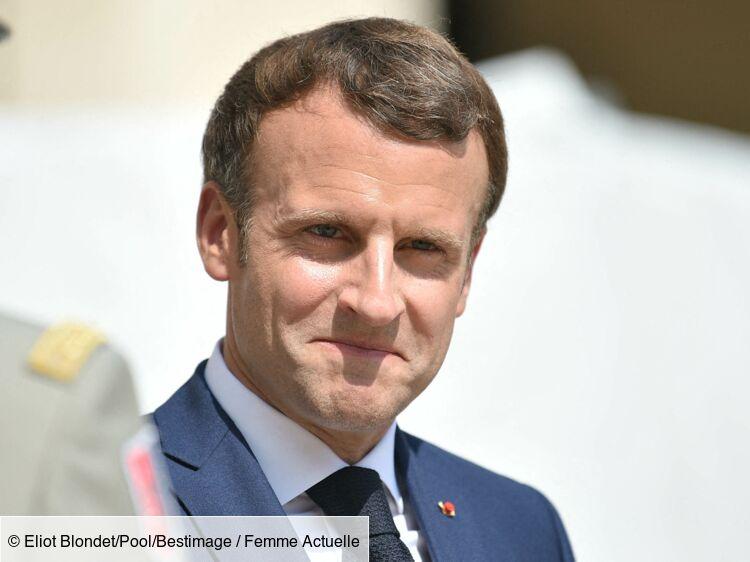 Emmanuel Macron reçoit un cadeau qui rend vert de jalousie Gims