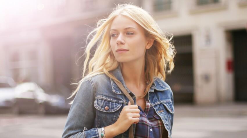 Atomic blond : la couleur de cheveux la plus lumineuse de l'été