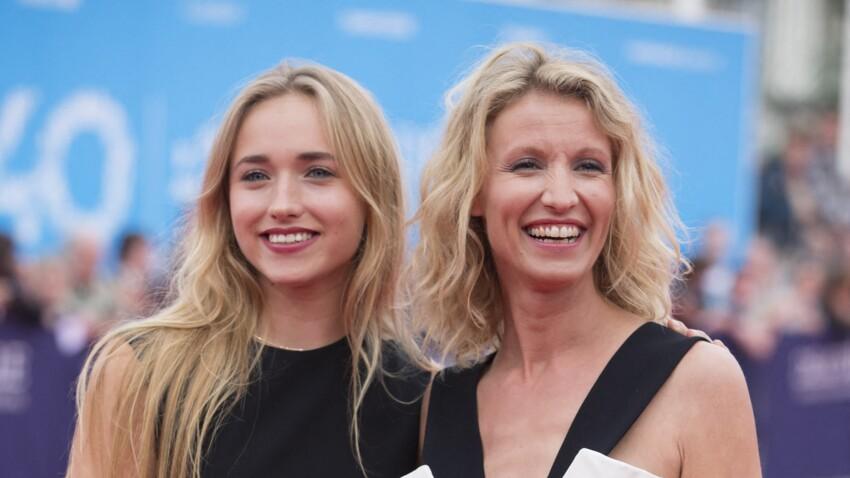"""Alexandra Lamy, très émue par sa fille Chloé Jouannet : """"J'ai eu les larmes aux yeux"""""""