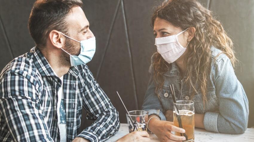 Covid-19 : quels sont les risques de contamination dans les bars et les boîtes de nuit ?