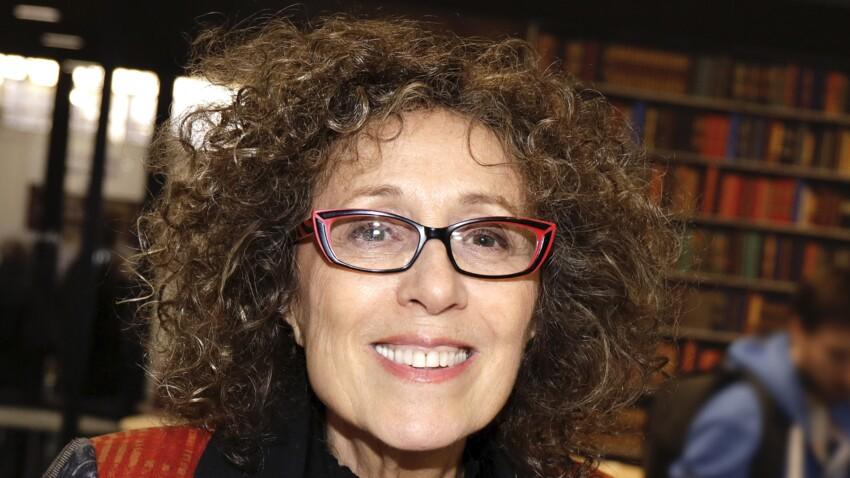"""Que devient Mireille Dumas, présentatrice de """"Vie privée, vie publique"""" ?"""