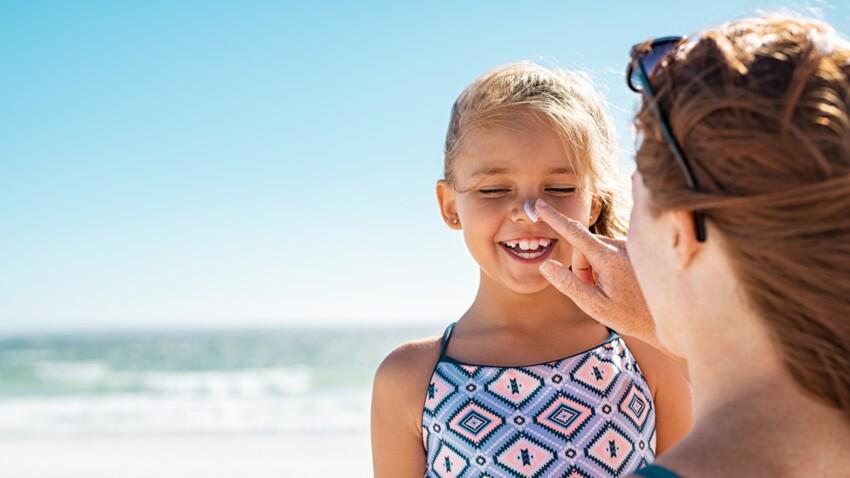 Crème solaire : l'astuce ludique d'une maman pour protéger parfaitement son enfant