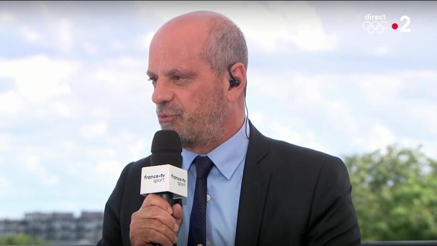 Jean-Michel Blanquer en vacances : son nouveau look fait beaucoup rire les internautes