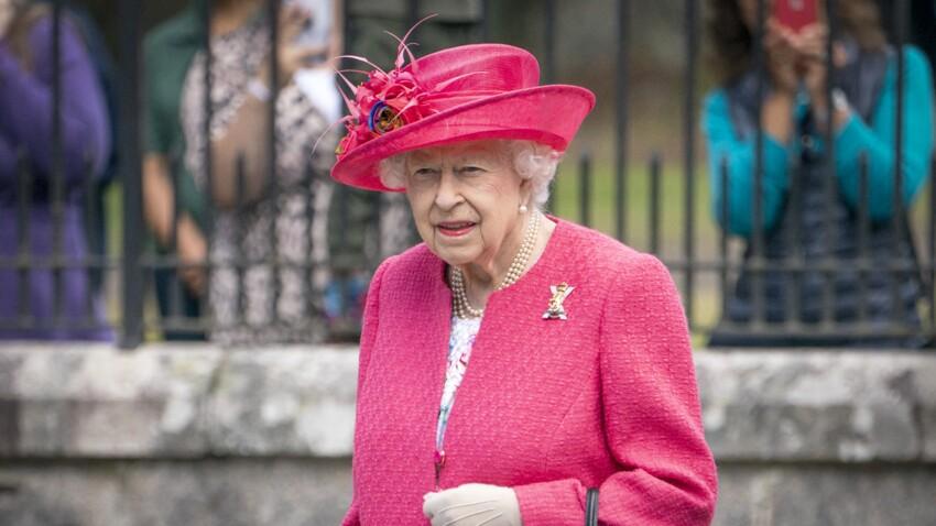 Reine Elizabeth : que peut-elle bien transporter dans ses sacs à main ?