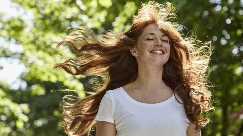 Liquid hair : quelle est cette nouvelle tendance qui fait briller les cheveux ?