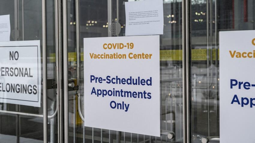 """""""Vaccination non négociable"""" : ces entreprises américaines qui obligent leurs salariés à se faire piquer"""