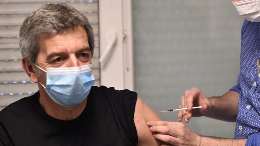 """""""Des égoïstes qui ne pensent qu'à eux"""" : le coup de gueule de Michel Cymes contre les anti-vaccins"""