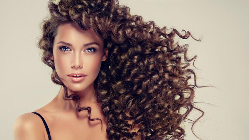 Cheveux ondulés : 5 astuces pour un lissage et des boucles réussies