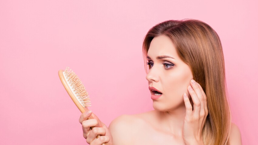 Voici pourquoi vous devriez absolument garder les cheveux de votre brosse