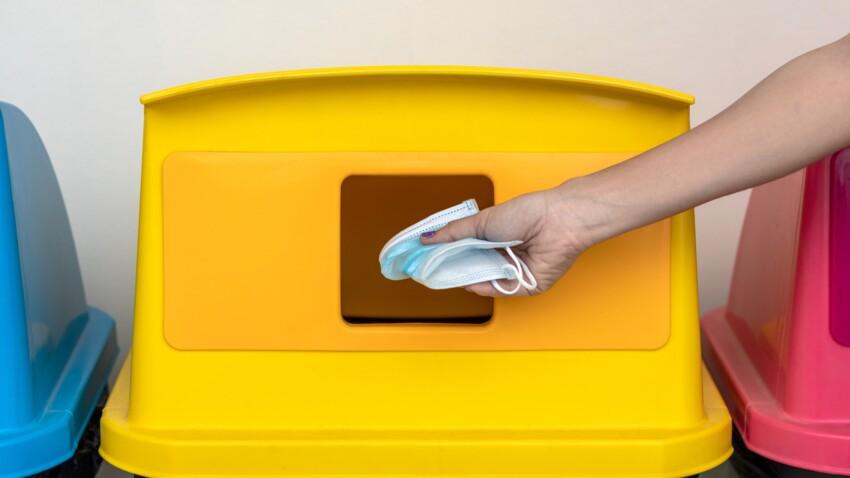 Jeter son masque dans la poubelle jaune, une bonne idée ?