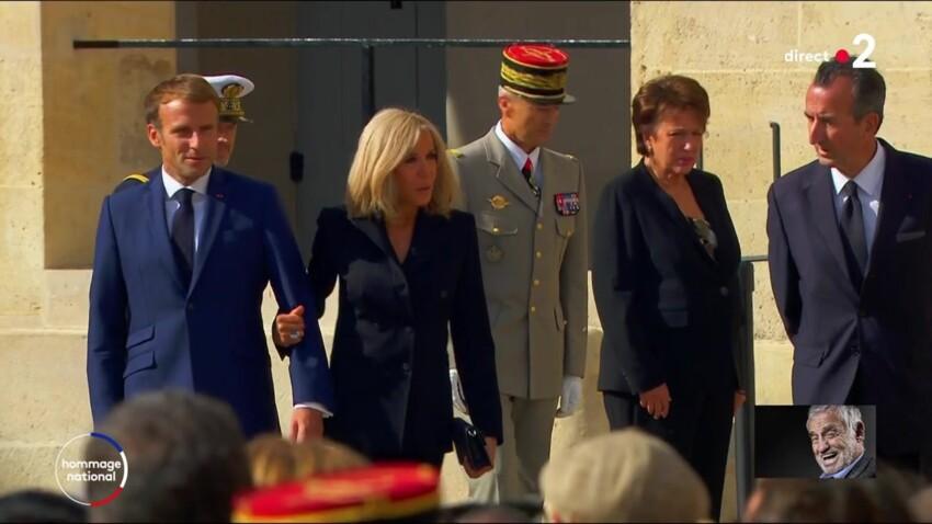 Hommage à Jean-Paul Belmondo : la bourde de Brigitte Macron, qui a eu beaucoup de mal avec le protocole