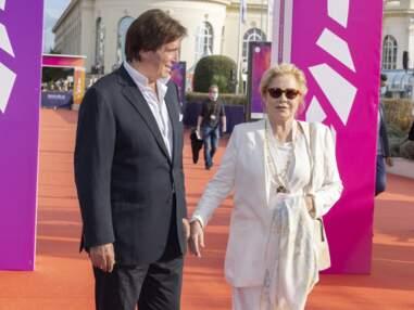 Sylvie Vartan et Tony Scotti : le couple apparaît, toujours aussi amoureux, au Festival de Deauville