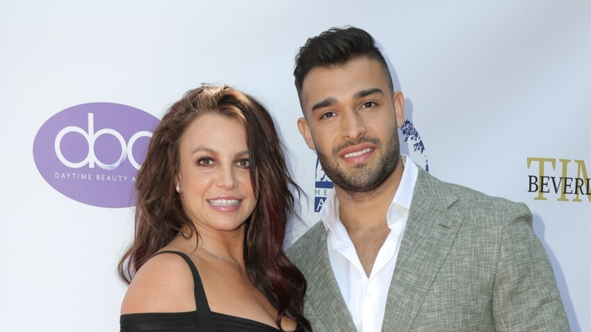 Britney Spears annonce ses fiançailles avec Sam Asghari en dévoilant un énorme diamant
