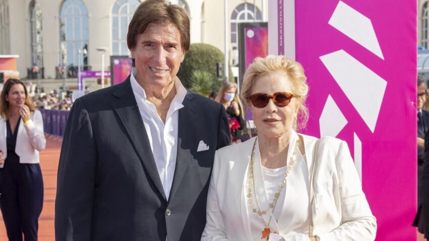 Sylvie Vartan et Tony Scotti : leur rare apparition, en amoureux, au festival de Deauville - PHOTOS