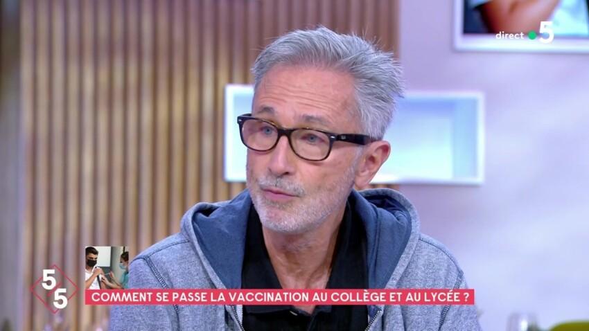 """Thierry Lhermitte monte au créneau contre les antivaccins : """"C'est juste ahurissant"""""""