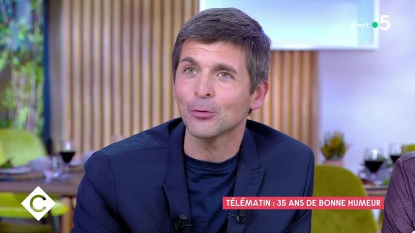 """""""Télématin"""" : Thomas Sotto de mauvaise humeur au réveil ? Sa drôle de confidence"""