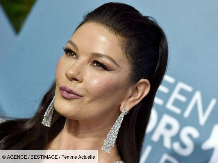 Catherine Zeta-Jones : méconnaissable, la femme de Michael Douglas s'affiche avec les cheveux gris