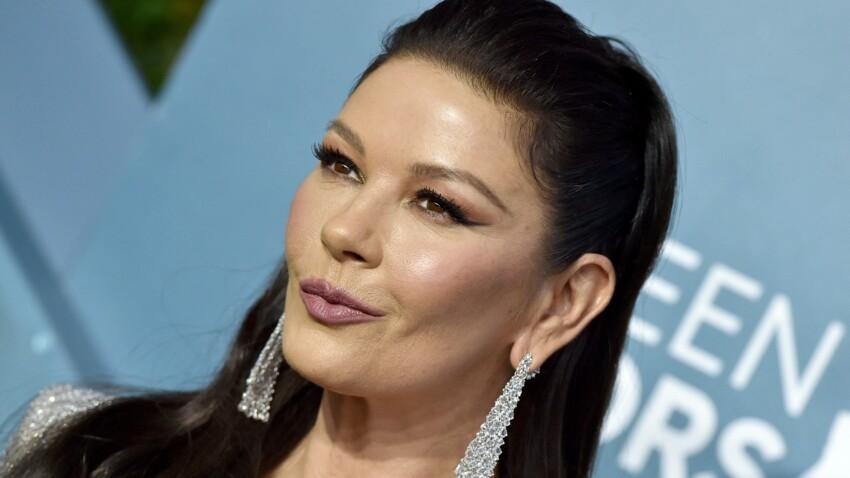 Catherine Zeta-Jones méconnaissable : la femme de Michael Douglas s'affiche avec les cheveux gris
