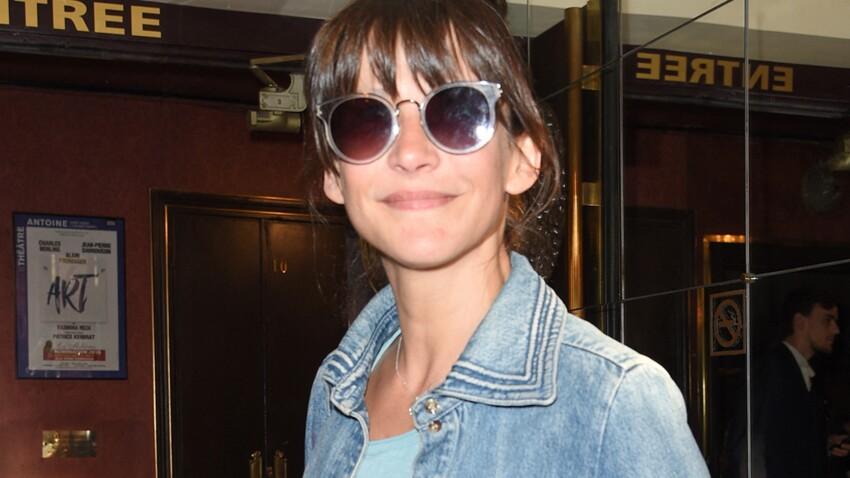 Sophie Marceau affolante en maillot léopard ultra-décolleté et talons flashy : une bombe !