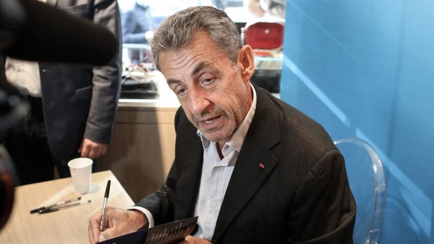 """""""C'est très émouvant"""" : Nicolas Sarkozy réagit à sa condamnation judiciaire"""