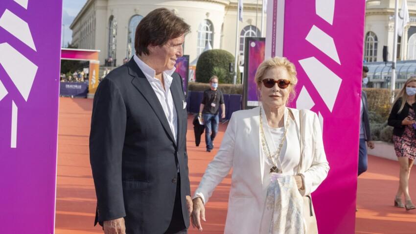 """""""Je sortais de mon mariage avec Johnny"""" : Sylvie Vartan évoque les débuts tortueux de sa relation avec Tony Scotti"""