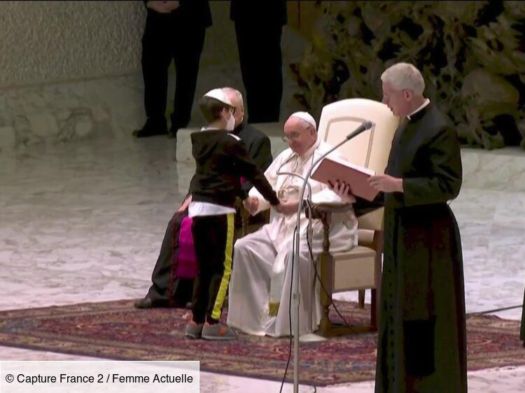 Pape François : cette séquence touchante avec un enfant en situation de handicap