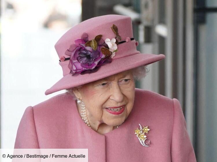 La reine Elizabeth II hospitalisée : le palais de Buckingham donne de ses nouvelles