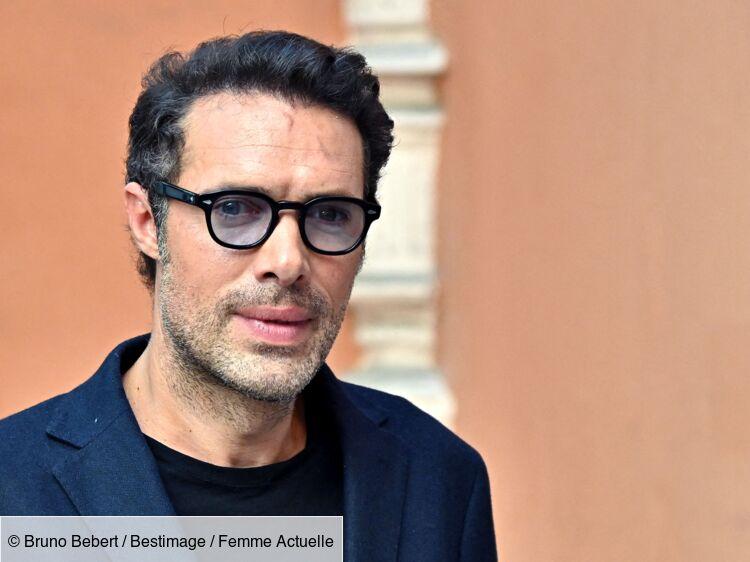 """Nicolas Bedos : ses confidences bouleversantes sur son """"double deuil"""""""