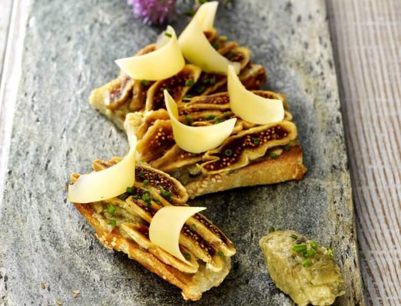 Tartine caviar d'aubergine figue et comté